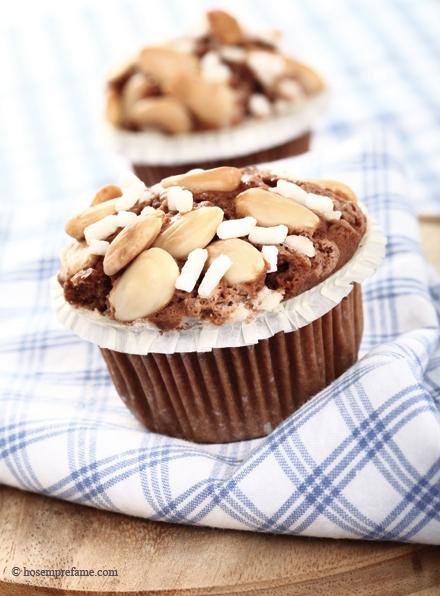 Muffin cacao, caffé e mandorle