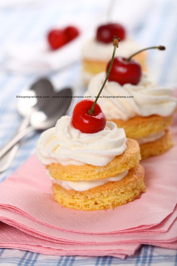 tortini con crema chantilly